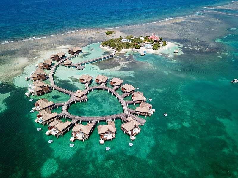 Jamaica Hotel at Sea